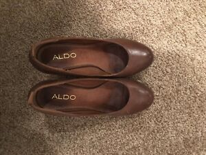 Aldo Brown Leather Heels Size 7
