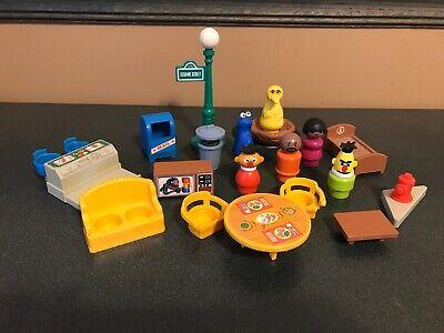 Vintage Fisher Price Little People Sesame Street 938 Figure Accessory Lot