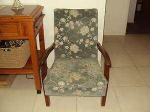 3 X TIMBER FRAME LOUNGE CHAIRS WITH QUALITY FABRIC COVERING Kilcoy Somerset Area Preview
