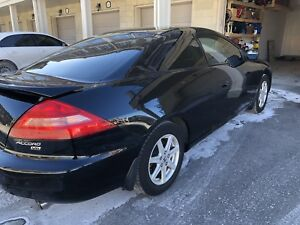 2004 Honda Accord coupe V6 for sale.  Excellent condition