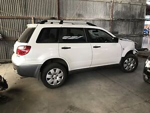 Wrecking mitsubishi outlander 2006 Campbellfield Hume Area Preview