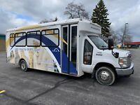 2009 Ford Super duty 25 passenger bus van