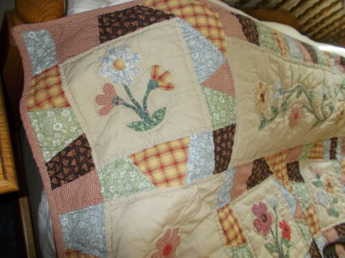"Unique Floral Hand Applique Queen Size~~Fall Country Style Quilt 84""L x 86""W"