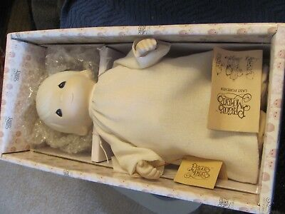 "Precious moments ""Aaron"" angel doll 12424"