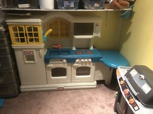 Kids kitchen set $140 Firm
