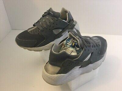Kid's Nike Huarache Athletic Shoes Boy's Size 6.5Y Multi-Color