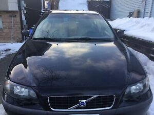 2004 Volvo S60 AWD 2.5 - new snow tires
