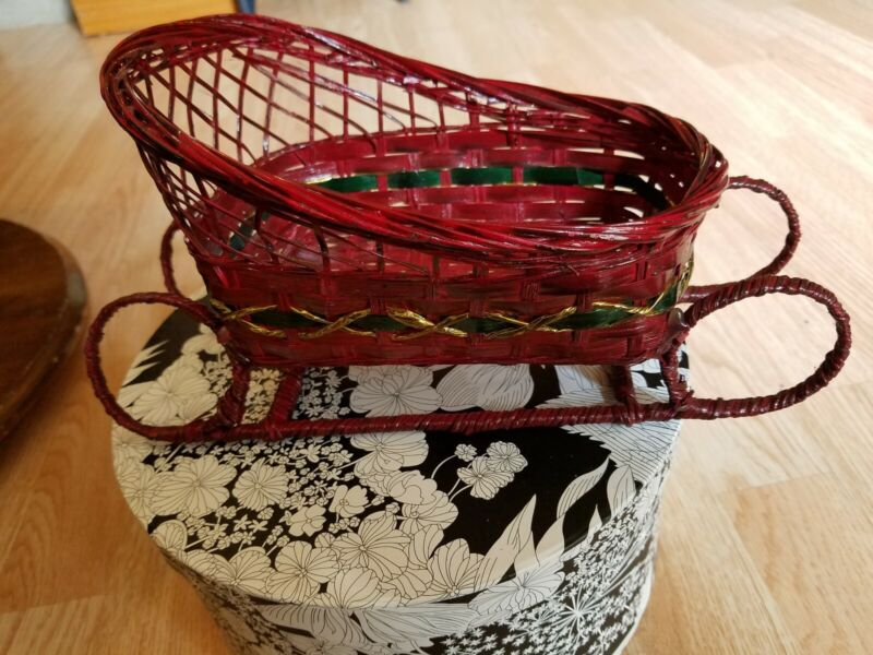 Vintage wicker Christmas Sleigh Gorgeous colors & condition.