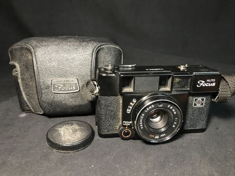 VINTAGE CAMERA, YASHICA AUTO FOCUS S, WITH CASE & FLASH, 38MM LENS