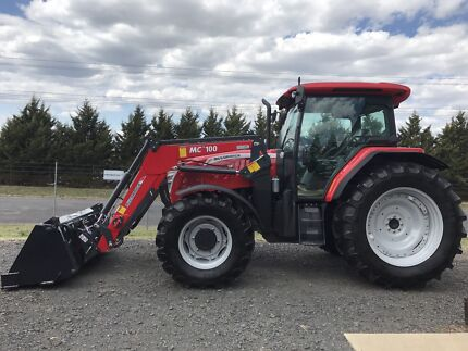 McCormick D125-Max 120hp with loader