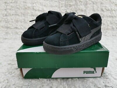 PUMA SUEDE HEART. SIZE 6 INFANT.