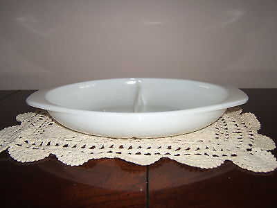 VINTAGE PYREX SERVING DISH DIVIDED WHITE 1.5 QUART MADE IN USA # 1063 RARE FIND