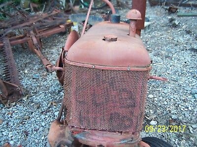 Internationalfarmall Cub Tractor Hood Side Panelsgrille And Tank Assm