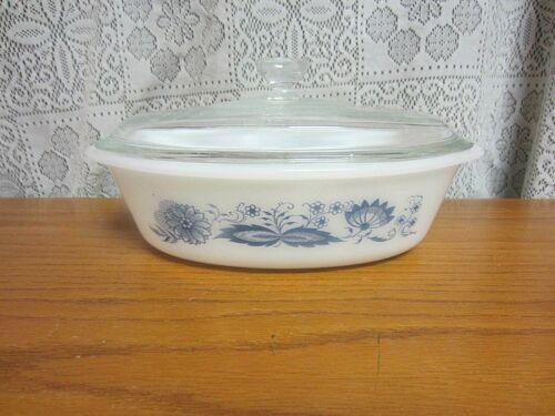 Vintage Glasbake Oval Casserole Dish  Old Town Blue Onion 1 qt W Lid