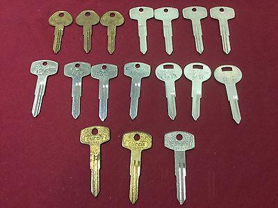 Nissan Da23 Da24 Da25 Da28 Key Blanks By Ilco Curtis Set Of 17 - Locksmith