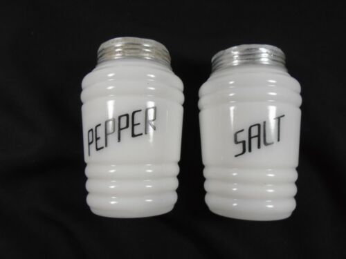 VINTAGE MILKGLASS BEEHIVE RIBBED ANCHOR HOCKING SALT AND PEPPER