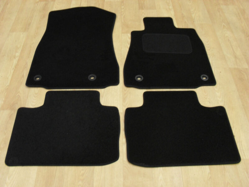 Lexus IS300H (2013-on) Fully Tailored Car Mats Black
