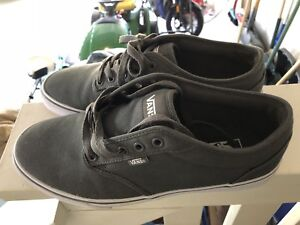 Men's Vans size 11 brand new