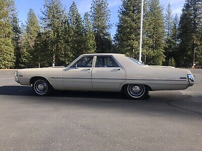 1971 Chrysler Newport  Royal Sedan Yellow RWD Automatic stock