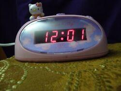 Hello Kitty Digital Alarm Clock Kids Teen Room 2004 Sanrio