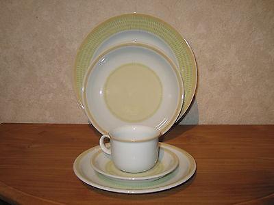 THOMAS *NEW* TREND PISTAZ Set 3 assiettes + 1 tasse et soucoupe