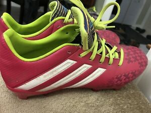 Soccer shoes barely worn size 7.5