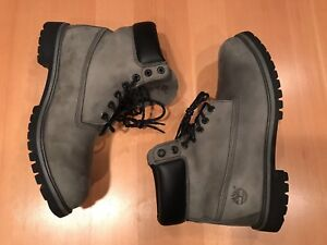 Timberland boots light green, men's size 13, Air Jordan