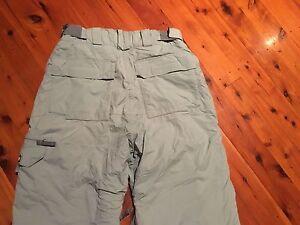 Billabong Snowboarding pants - unisex 12/14 ladies or men's small Coffs Harbour Coffs Harbour City Preview