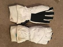 White snow gloves - size small/medium Turner North Canberra Preview