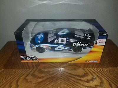 Hot Wheels Racing 2002 #6 Mark Martin Pfizer Race Car Mark Martin Race Car