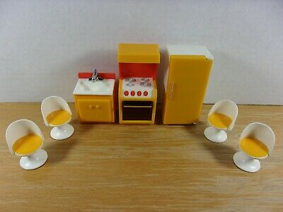 VINTAGE FISHER PRICE DOLLHOUSE KITCHEN STOVE SINK FRIDGE CHAIRS FURNITURE LOT