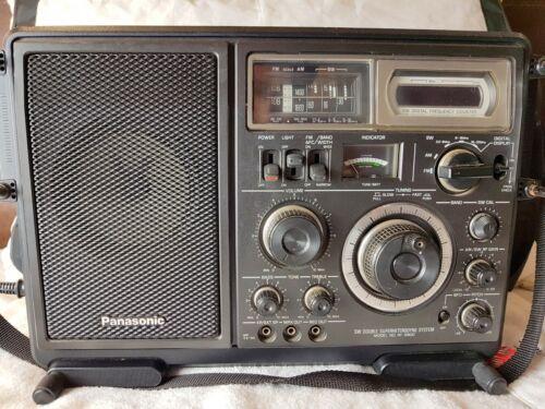 Panasonic RF-2800 Shortwave Radio.