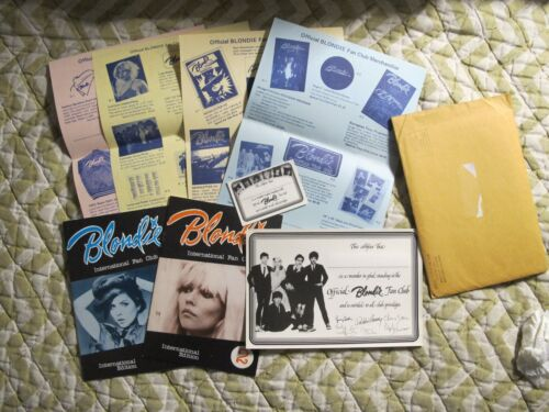 BLONDIE 1981 ORIG FAN CLUB PACKET WITH FAN MAGS PHOTOS MERCH SHEETS ETC COOL!