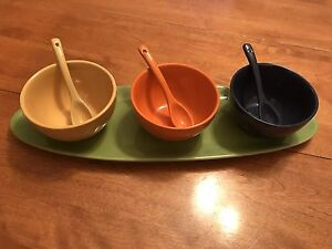 Ceramic serving set