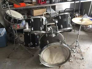 Drum Set black c/w symbols and sticks