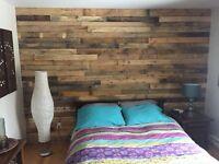 Installation de mur en planches