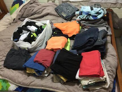 Lots clothes size M - L
