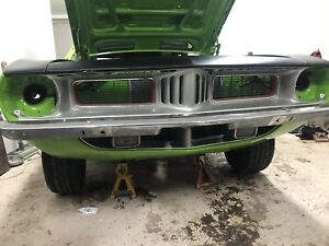 1974 Plymouth Barracuda Mopar 440 pistol grip 4 speed