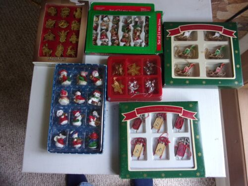 CHRISTMAS TREE MINI ASSORTED ORNAMENTS IN BOX~