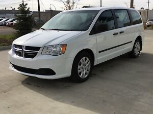 2015 DODGE GRAND CARAVAN IN MINT CONDITION WARRANTY