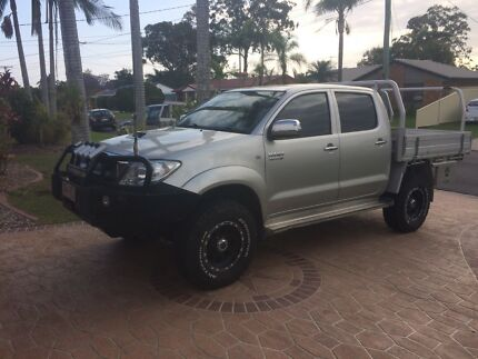 2010 sr5 Toyota Hilux auto