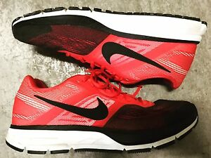 NIKE RACER MENS SHOES SIZE 11 (9/10 condition)