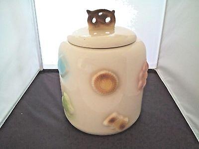 Cookie Jar USA Cookies With Pretzel Top Wedged Bottom