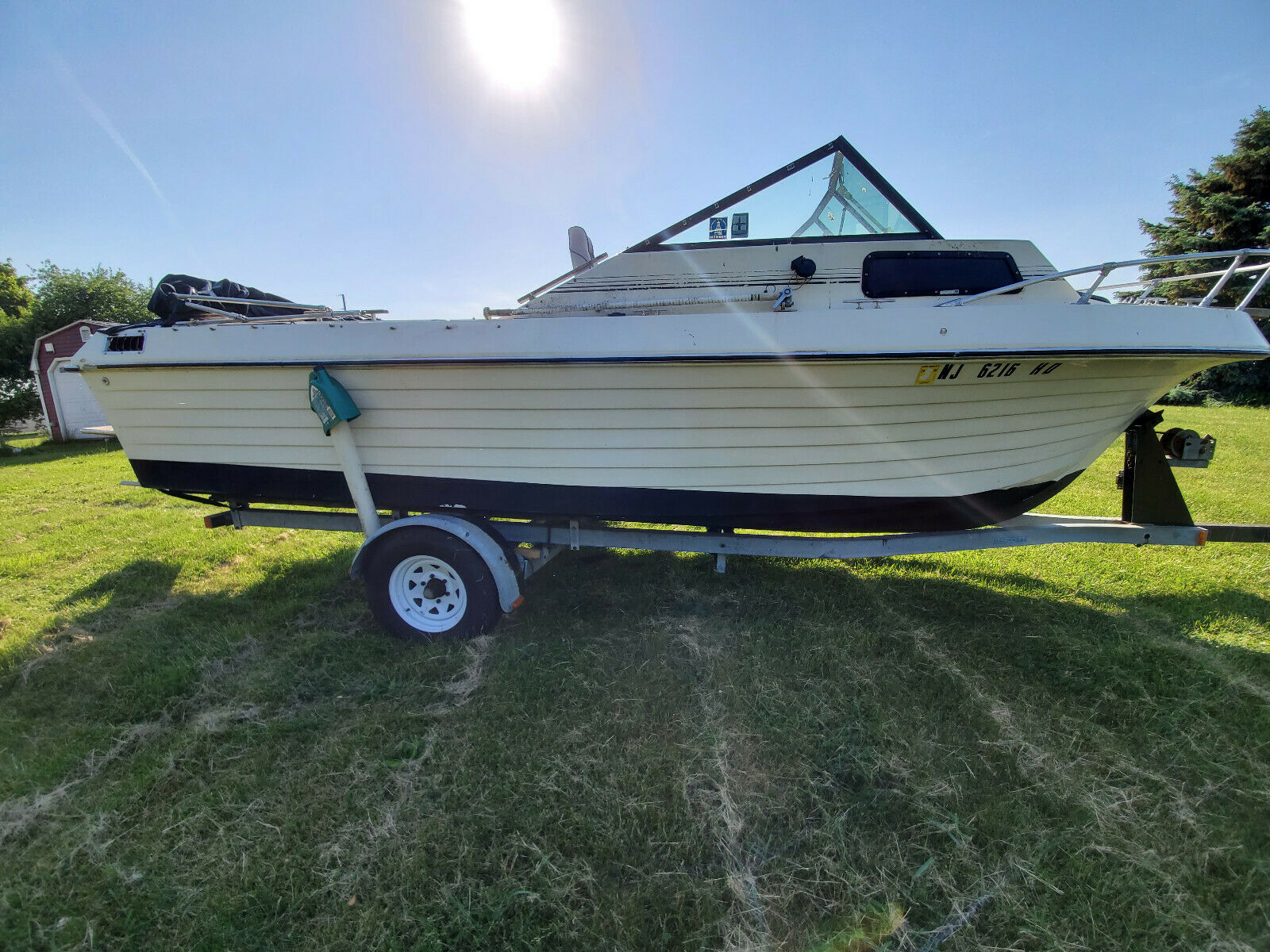 1986 Manatee 21 Foot Cuddy Cabin Boat