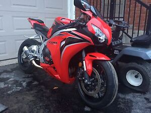 2011 Honda CBR1000 Low Km