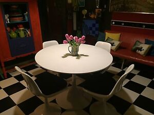 Retro vintage tulip table and chairs