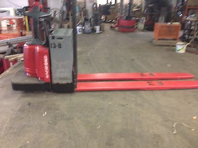 2007 Raymond Forklift 840 Ride On Jack 8000 Cap. 84 Forks Battery Charger