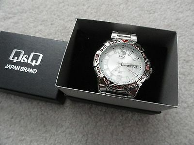 New Q&Q Quartz Men's Watch - 5 Bar Water Resistant - Day and Date