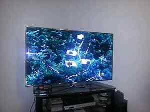 5 MONTHS OLD SAMSUNG UHD LED TV 40 INCH SERIE  6200 Reservoir Darebin Area Preview