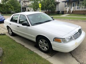 2008 Crown Victoria LX AMAZING CONDITION LOW KMS!!